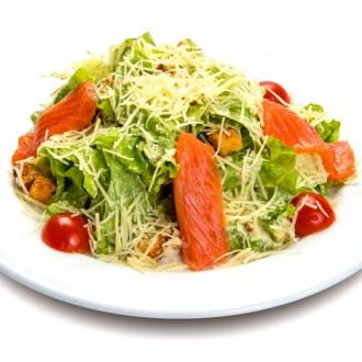 Салат з червоної риби гриль