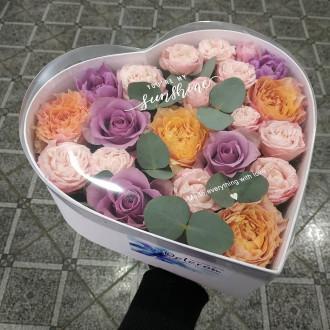 Квіти в коробці-серце