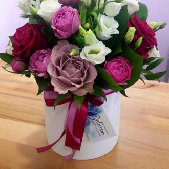 Квіти в коробці-циліндр